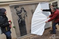 2013-04-12-enthuellung-madonna-graffito-08