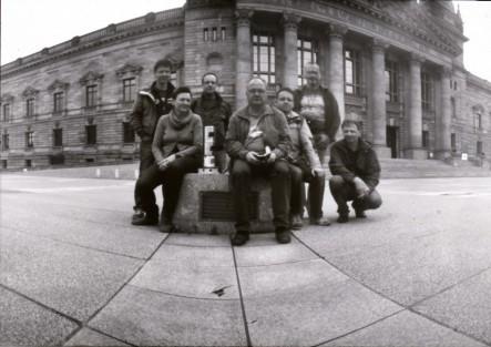 Mitglieder vom Fotoclub Lichtküche e.V. beim weltweiten Lochkameratag 2013.