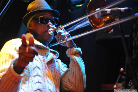 The Skatalites und Kevin Batchelor in Noels Ballroom